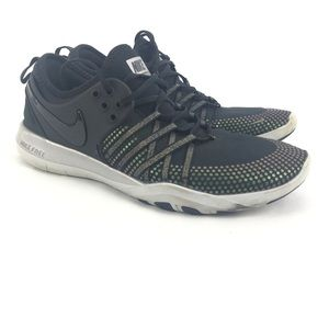 Nike womans Free Low Top Lace up Running Sneaker